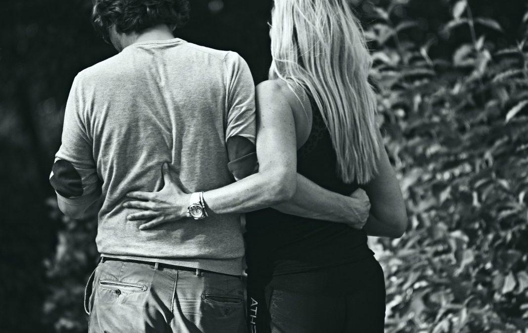 2. låge i (kærligheds)adventskalenderen – kropskontakt.